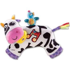 Музыкальная игрушка Tomy Lamaze Коровка (ТО27560) мягкие игрушки tomy музыкальная мягкая игрушка музыкальная коровка