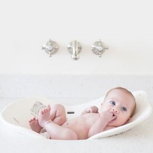 ac90fee1b946f цены Компактная детская ванночка Puj Flyte (0-6m). Цвет- (Белый