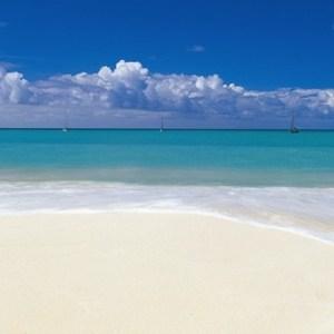 Фотообои Komar Deserted Beach (3,68х1,27 м) (4-712) фотообои komar alpengluhen 1 84х2 54 м 4 734