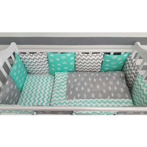 Комплект в кроватку By Twinz с бортиками-подушками 6 пр. Короны мятные